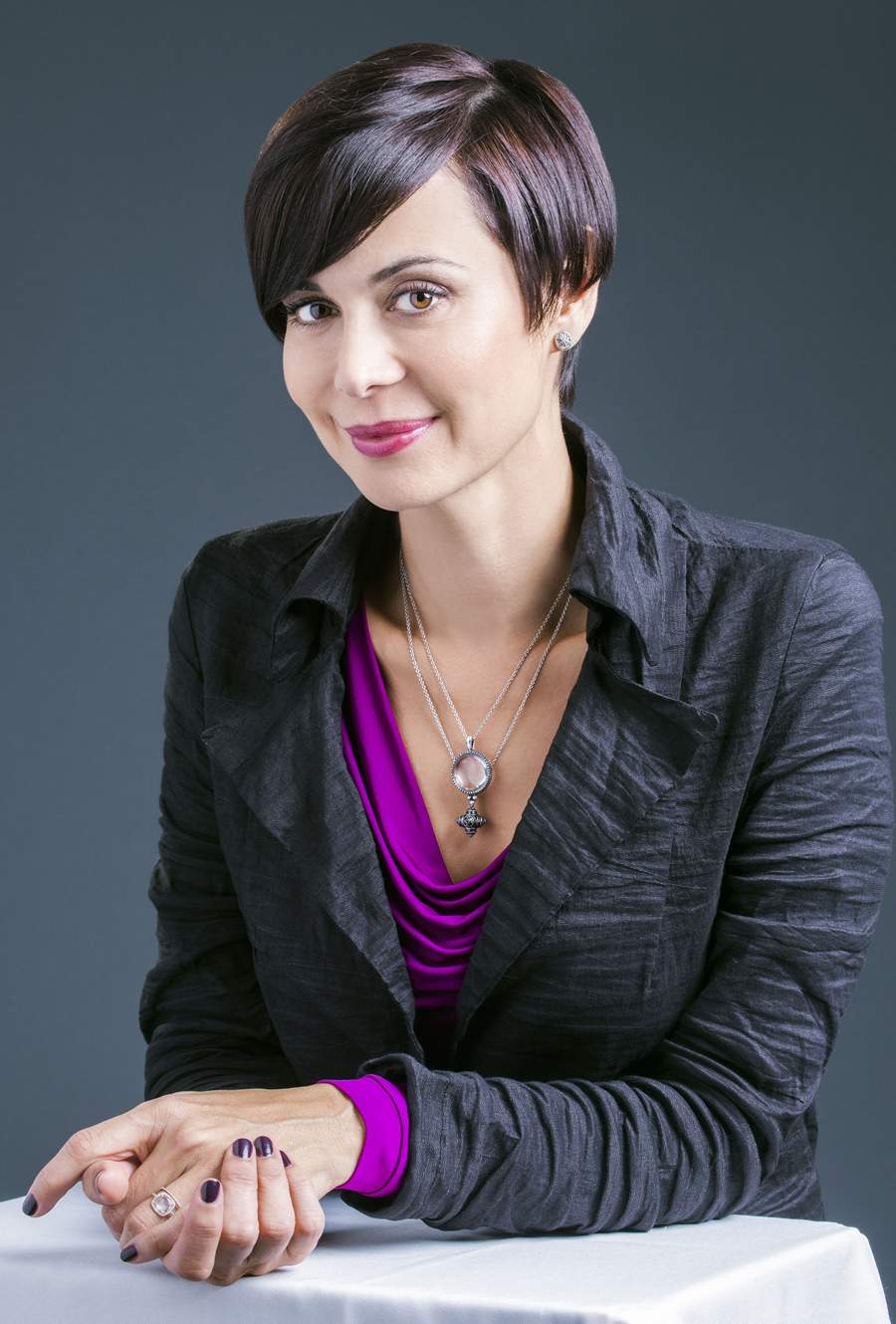 uber babe catherine bell conquers geekness! | captain