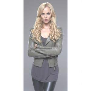 "Laura Vandervoort plays the sexy werewolf in Syfy""s ""Bitten.""  She started as a child actress and is one of the few to make the transition to adult roles with style and grade.  Photo by Steve Wilkie, courtesy Syfy."